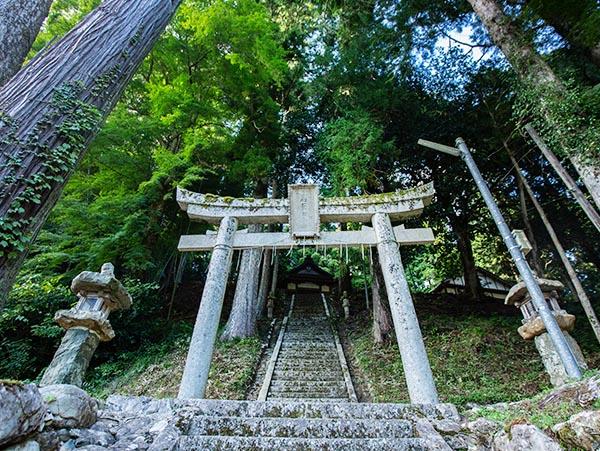 阿上三所神社(下栗野)